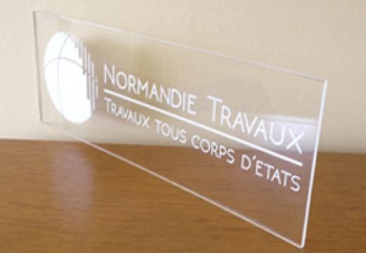 Présentoir plexiglas Normandie Travaux